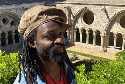 Freddy Tsimba et Ousmane Sow dialoguent à l'Abbaye de Fontfroide