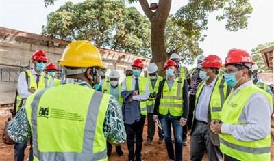 Visite du chantier du nouveau musée d'Abomey par la délégation française